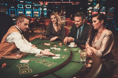 Live Blackjack ou Blackjack en Ligne table