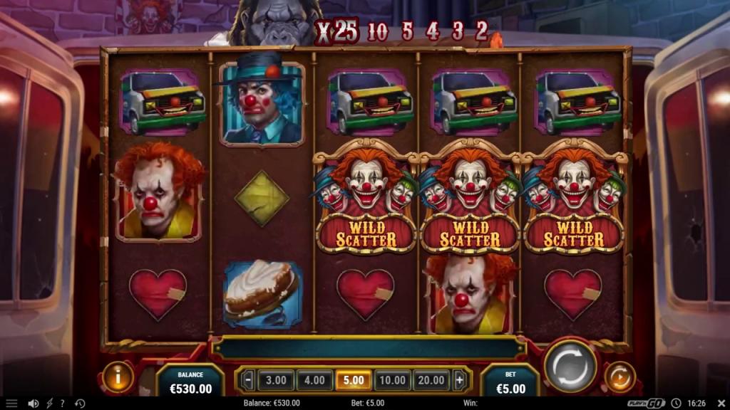 clown à pancarte avec la mention scatter